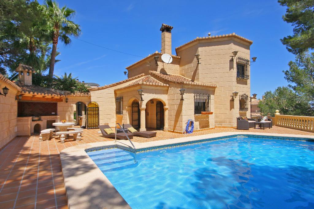 Las adelfas, Villa in Denia, on the Costa Blanca, Spain  with private pool for 6 persons...