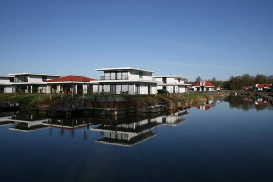 Villa water, Wonderful and luxury villa   in Harderwijk, Gelderland, Netherlands for a maximum of 6 persons....
