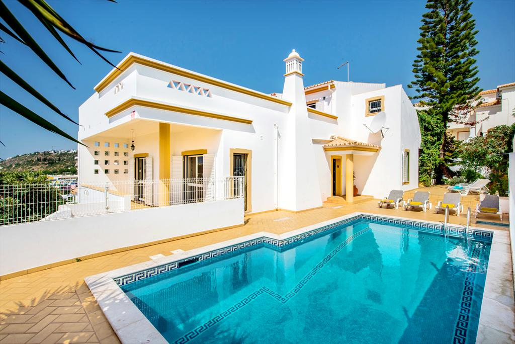 Albufeira Villa LS212, Large and nice villa in Albufeira, on the Algarve, Portugal  with private pool for 10 persons...