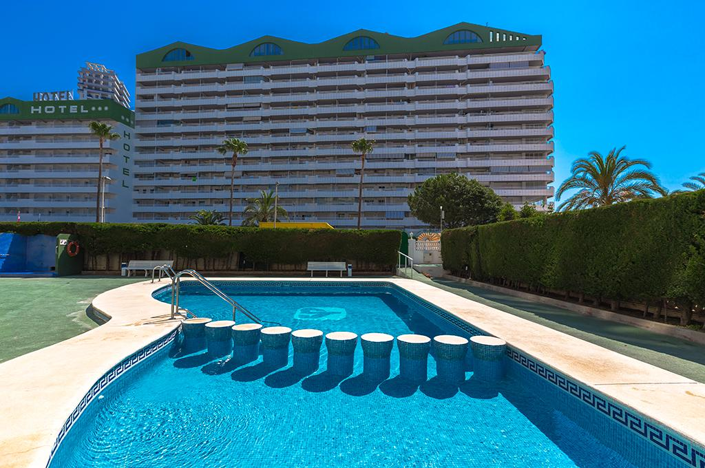 Apolo XI 4, Apartment in Calpe, on the Costa Blanca, Spain  with communal pool for 4 persons.....