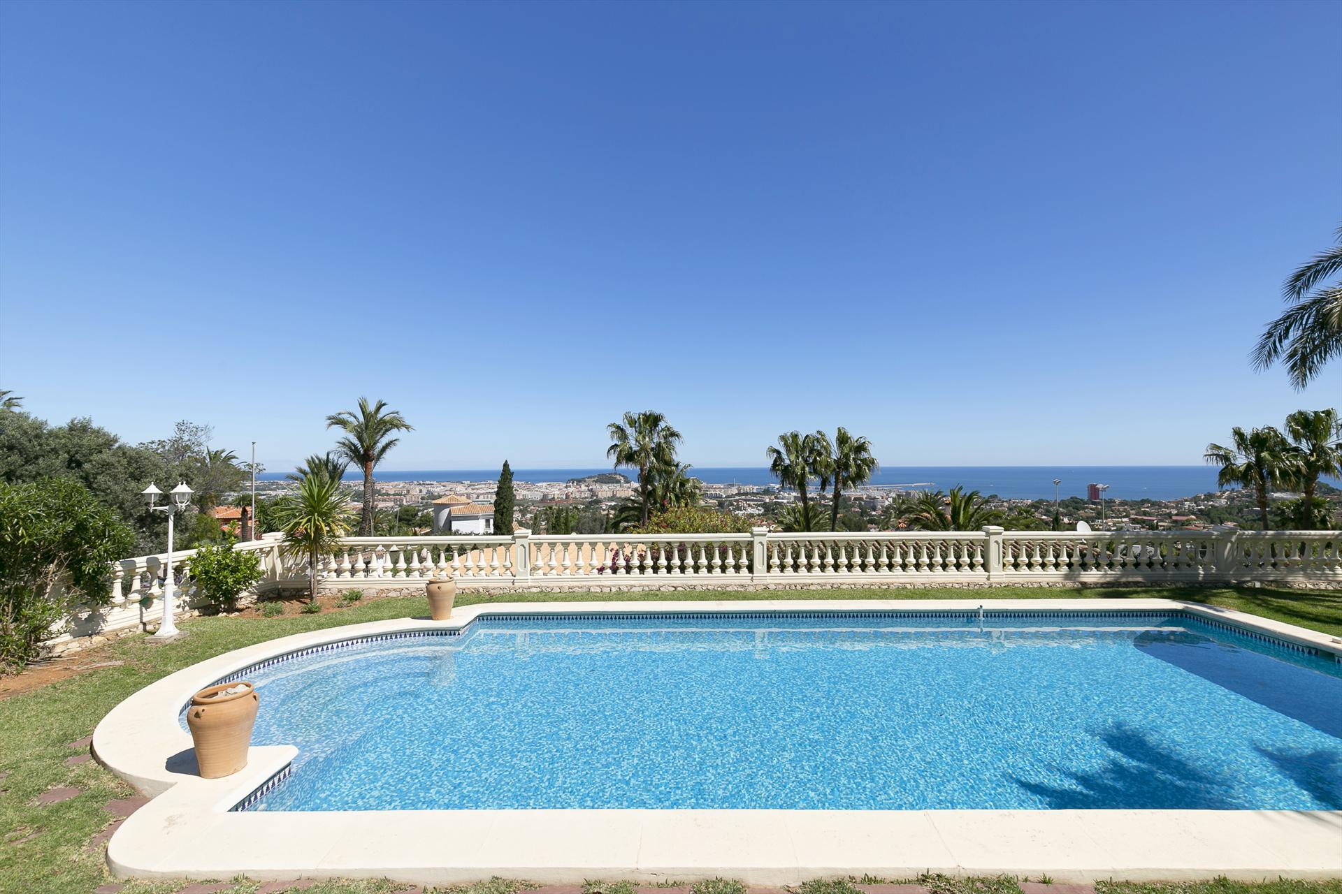 Villa Montgo Denia, Comfortable villa  with private pool in Denia, on the Costa Blanca, Spain for 4 persons...