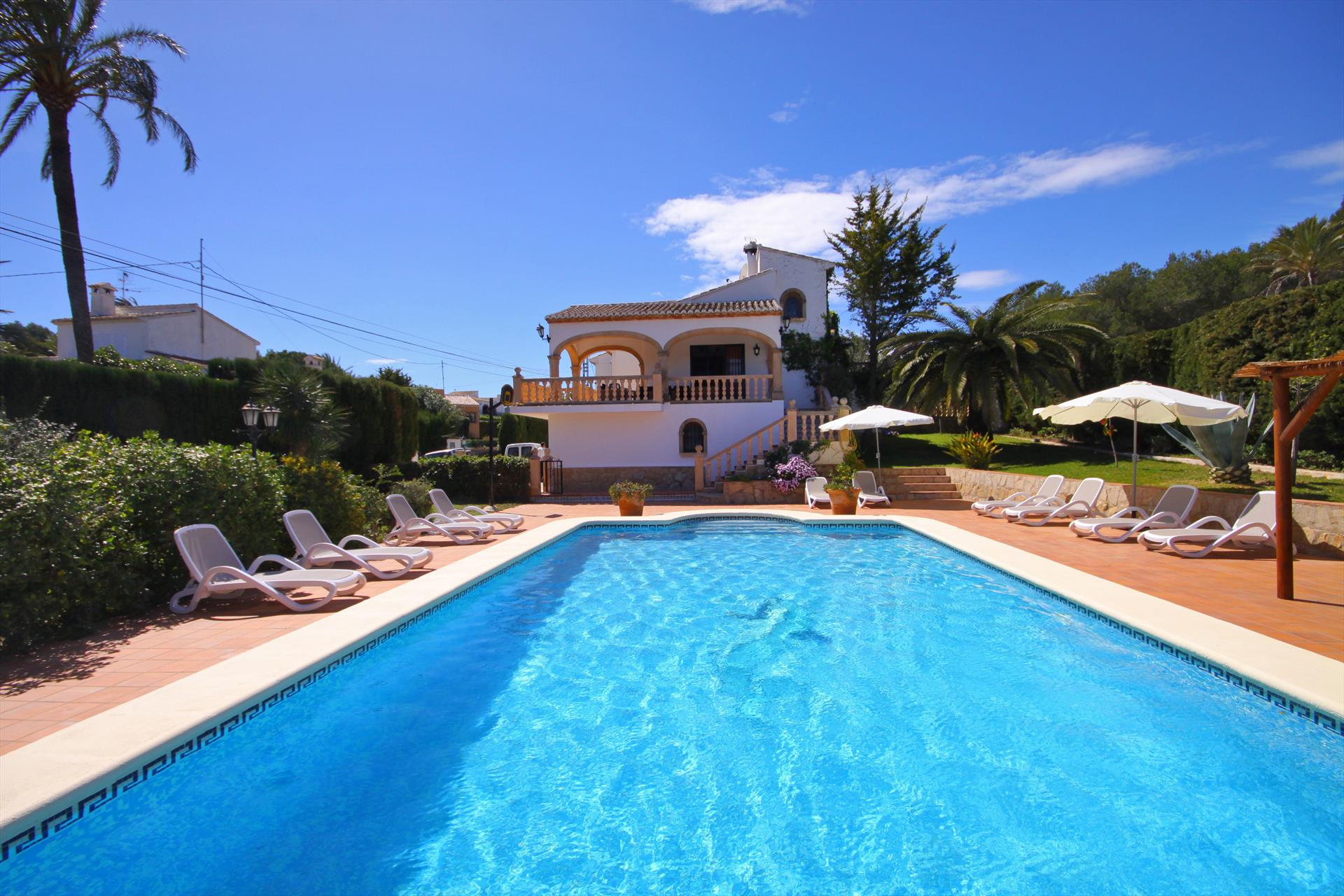Villa Pinosol, Large and comfortable villa with private pool in Javea, on the Costa Blanca, Spain for 16 persons. The house is situated.....