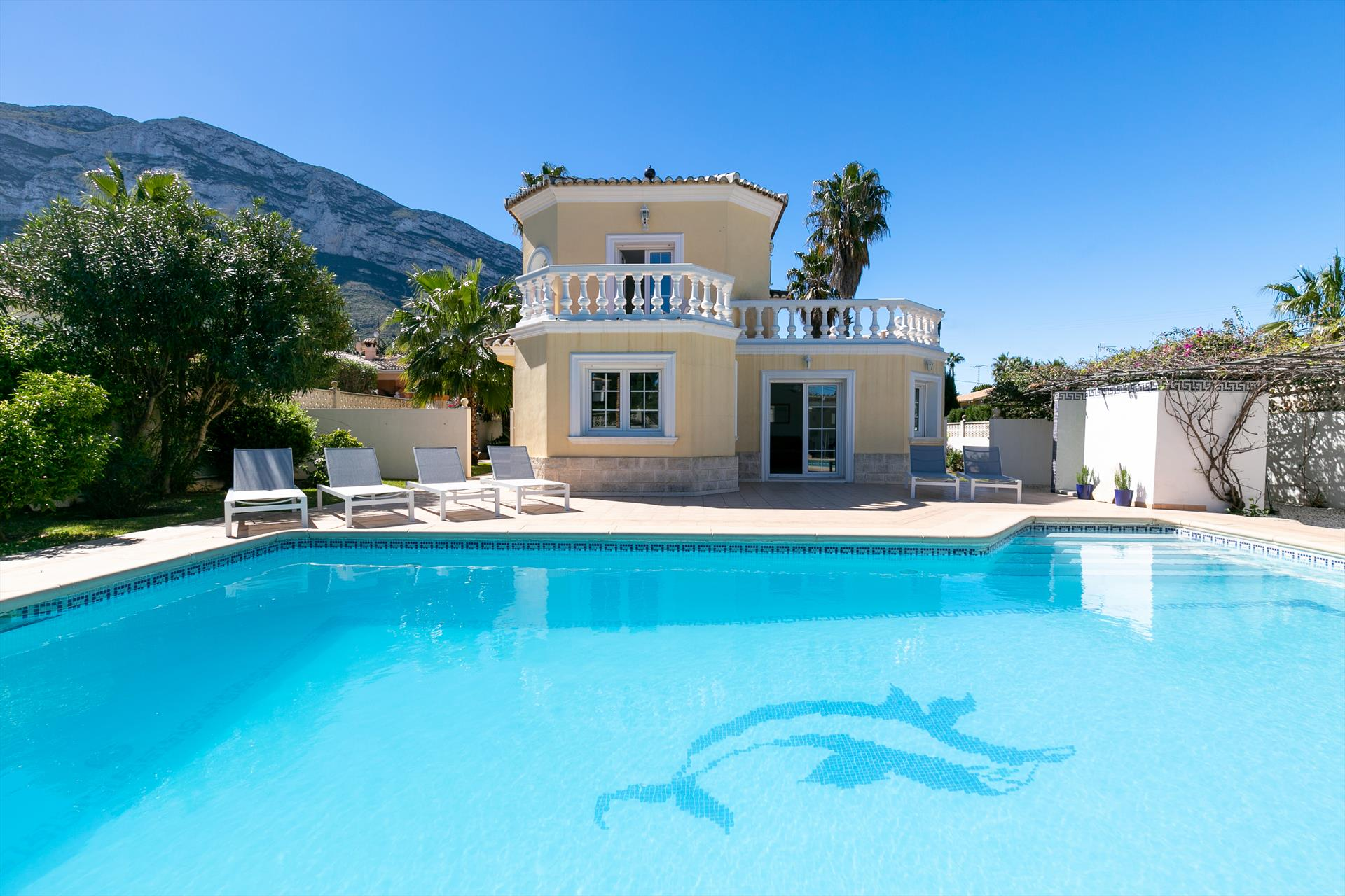 Villa Coral 4, Large and comfortable villa  with private pool in Denia, on the Costa Blanca, Spain for 4 persons.....