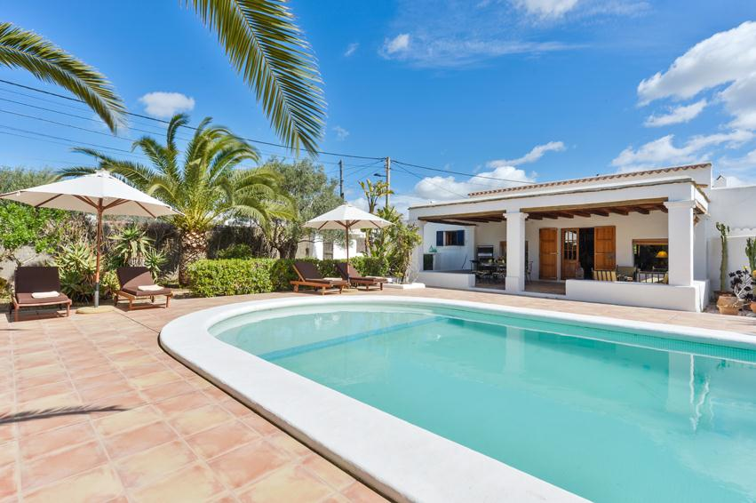 Jaumes Dalt, Villa  with private pool in Playa d´en Bossa, Ibiza, Spain for 6 persons...