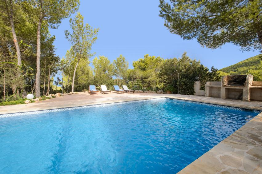 Romeros ii, Lovely and comfortable villa in Cala D Hort, Ibiza, Spain  with private pool for 8 persons...