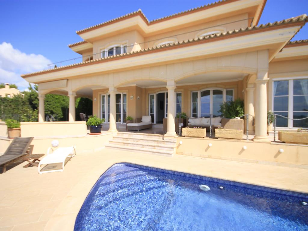 Hiedra, Large and luxury villa  with private pool in Javea, on the Costa Blanca, Spain for 10 persons.  The villa is situated  in.....