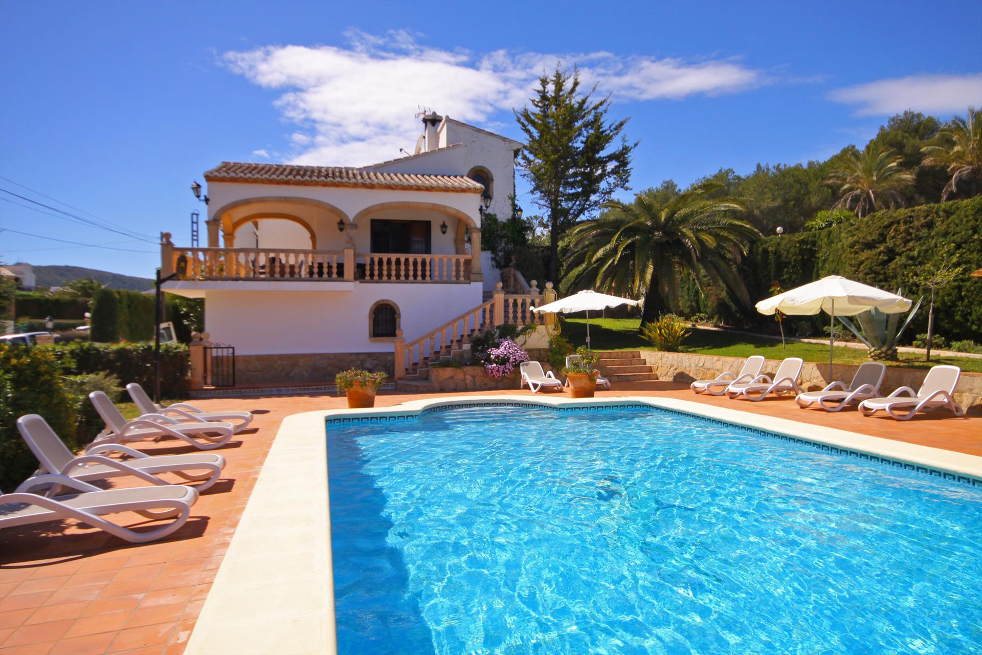 Villa Pinosol 12, Large and nice villa in Javea, on the Costa Blanca, Spain  with private pool for 12 persons.....