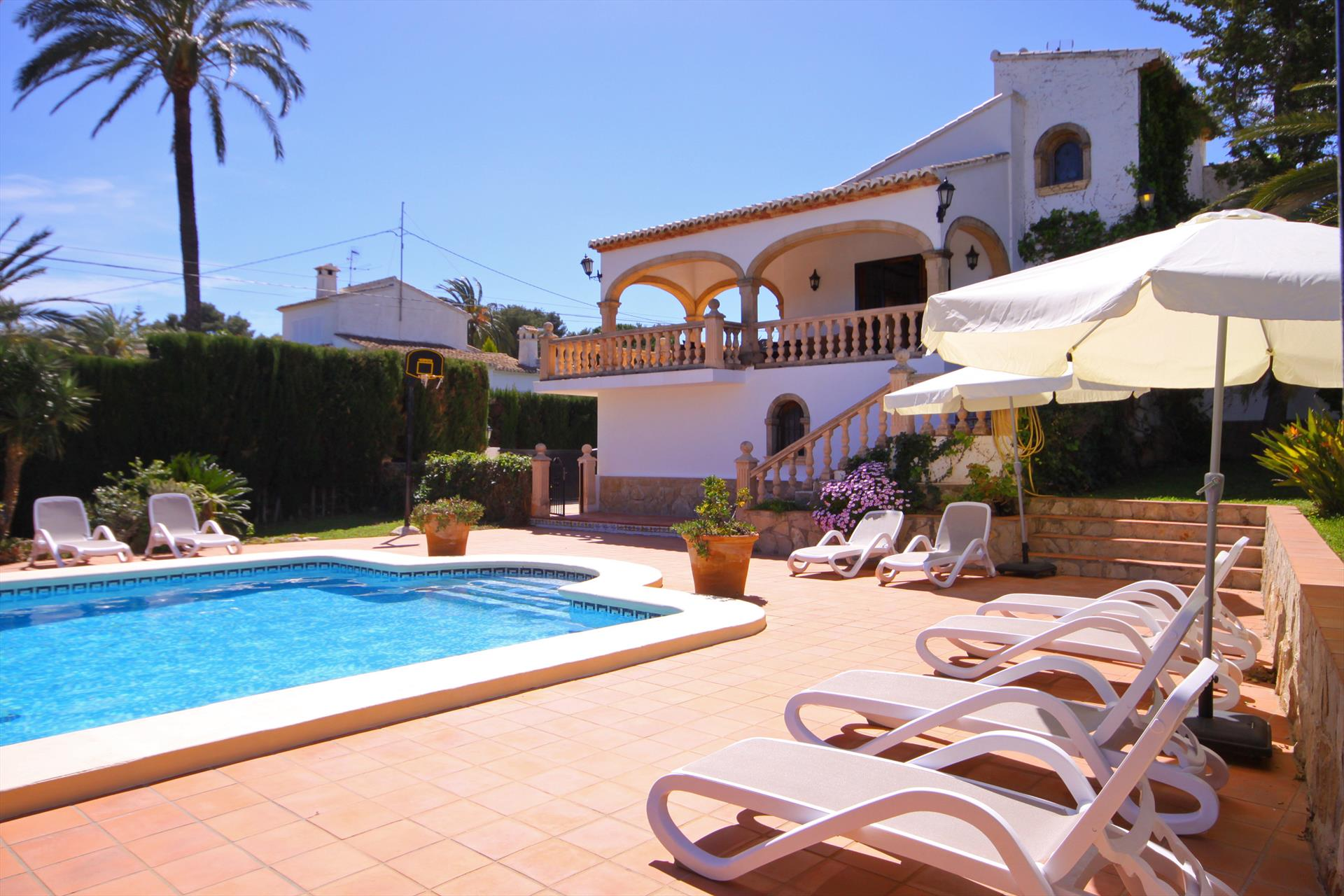 Villa Pinosol 8, Large and nice villa  with private pool in Javea, on the Costa Blanca, Spain for 8 persons.....