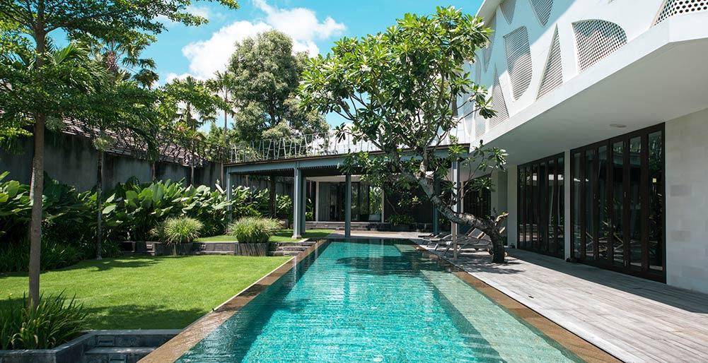 Issi,Grote en luxe villa in Seminyak, op Bali, Indonesië  met privé zwembad voor 8 personen...