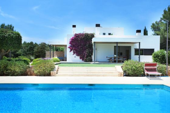Cara basso, Modern and cheerful villa  with private pool in Santa Gertrudis, Ibiza, Spain for 8 persons...