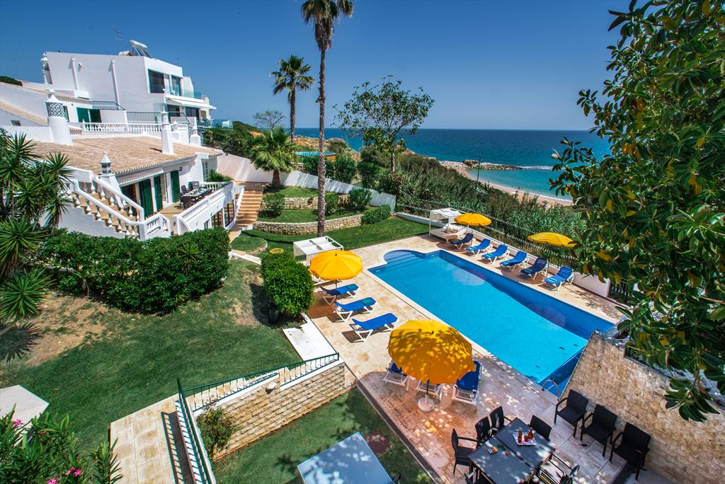 Villa Albufeira LS311, Wonderful and luxury villa in Albufeira, on the Algarve, Portugal  with private pool for 11 persons...
