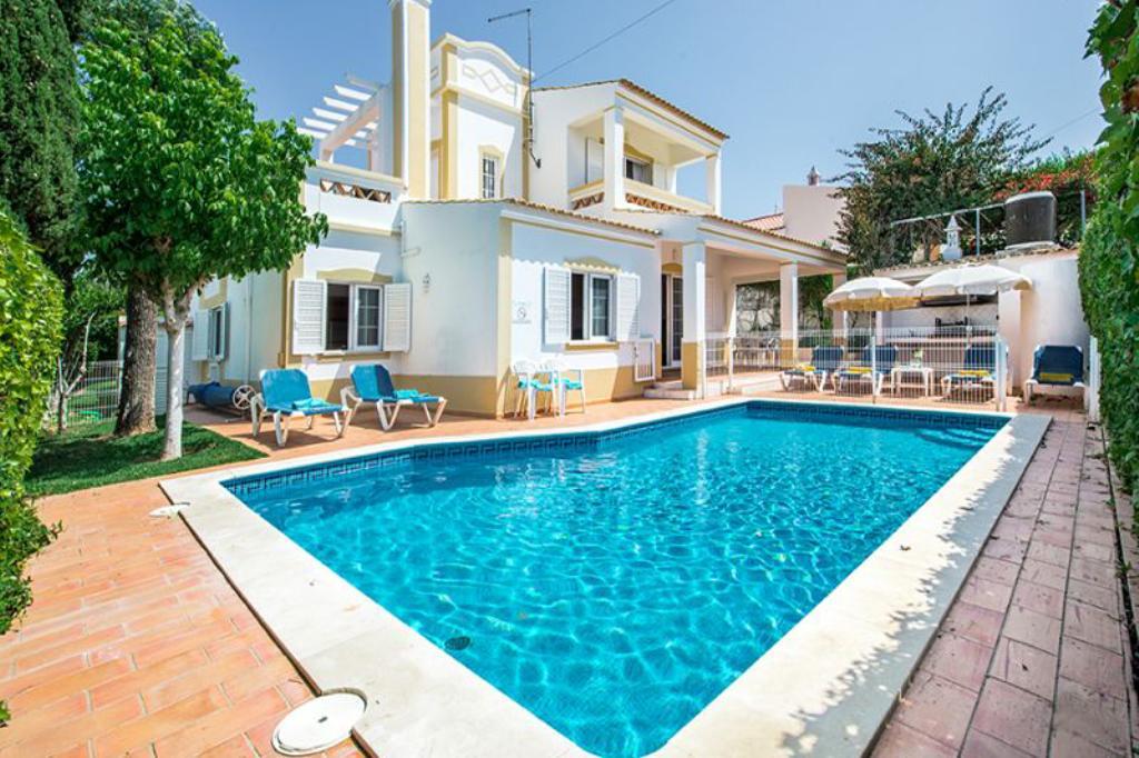 Villa albufeira ls374,Villa bonita y graciosa en Albufeira, en la Algarve, Portugal  con piscina privada para 6 personas...