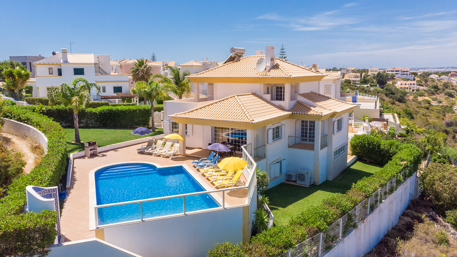 Villa Albufeira LS404, Wonderful and luxury villa in Albufeira, on the Algarve, Portugal  with private pool for 8 persons...