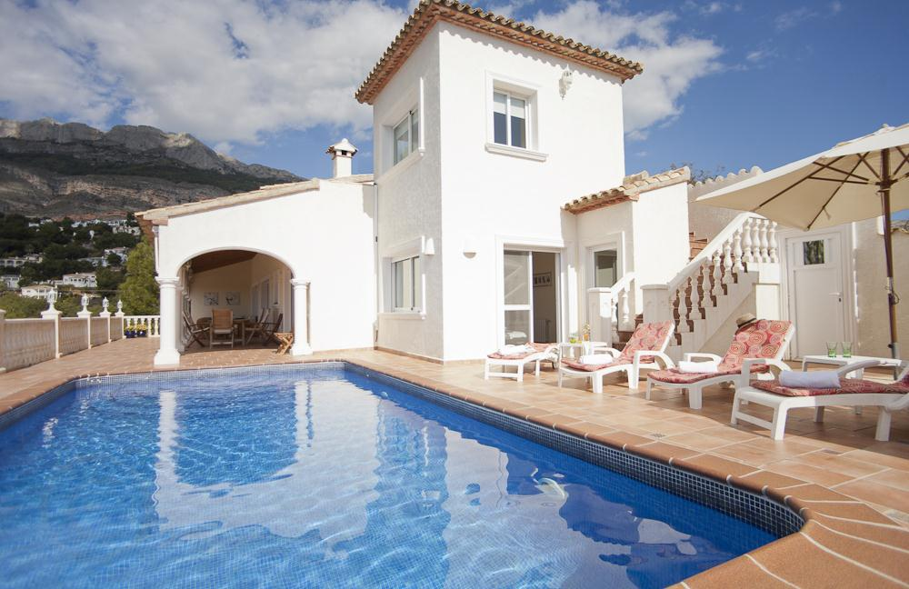 Carpe Diem 10, Comfortable villa in Altea, on the Costa Blanca, Spain  with heated pool for 10 persons.....