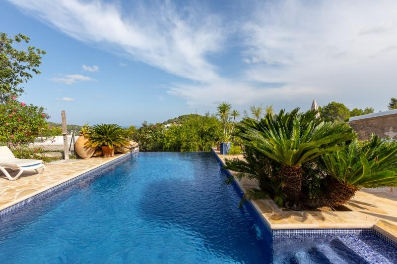 619 10p, Large and comfortable villa  with private pool in San Agustín, Ibiza, Spain for 10 persons...