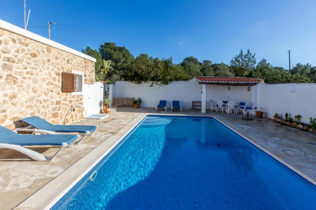 672, Villa in Cala Tarida, Ibiza, Spain  with private pool for 6 persons...