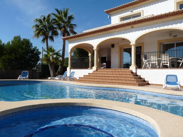 Casa Llamada, Holiday villa for rent in ALTEA, COSTA BLANCA with private pool. Magnificent views to the mountain and a little sea view.....