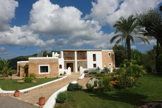 735, Large and comfortable villa  with private pool in San Lorenzo, Ibiza, Spain for 12 persons...