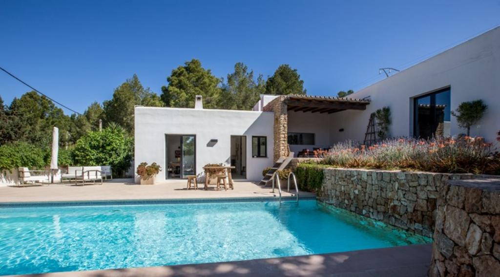 615, Villa  with private pool in Cala Salada, Ibiza, Spain for 6 persons...