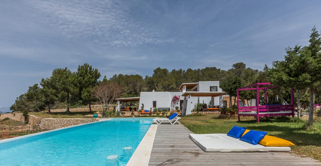 736, Large and comfortable villa  with private pool in Cala Salada, Ibiza, Spain for 10 persons...
