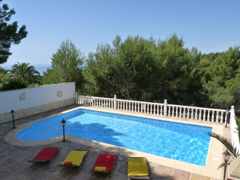 El Dorado 6, Large and comfortable villa in Altea, on the Costa Blanca, Spain  with private pool for 6 persons.....