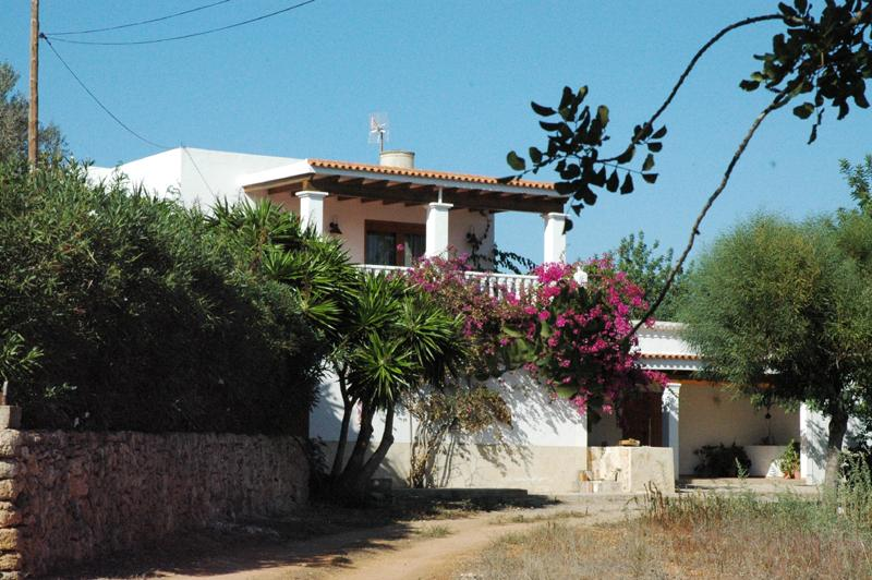 Casa yern, Lovely and comfortable villa in San Lorenzo, Ibiza, Spain  with private pool for 8 persons...