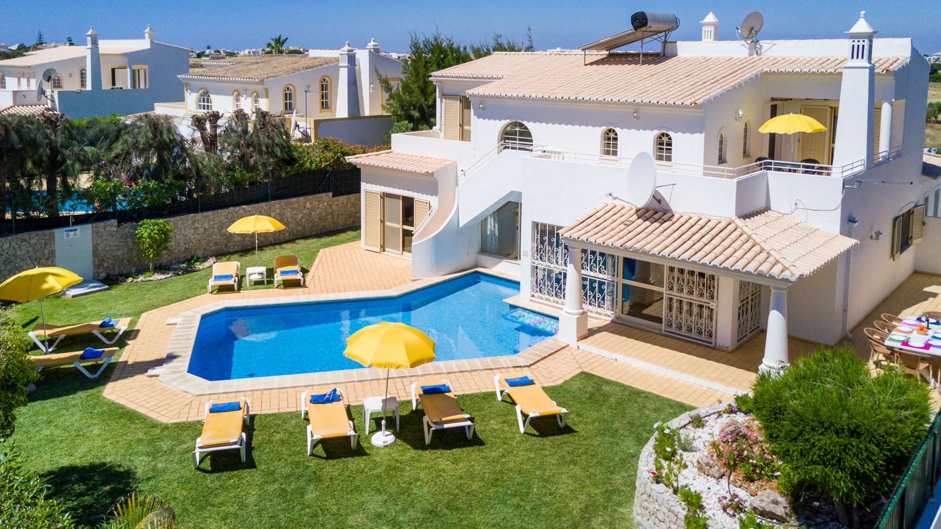 Villa albufeira ls417, Lovely and classic villa  with private pool in Albufeira, on the Algarve, Portugal for 8 persons...