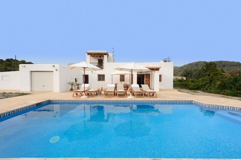 Naranja, Rustic and cheerful villa in Cala Llonga, Ibiza, Spain  with private pool for 6 persons...