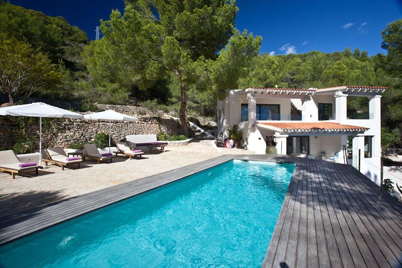 Can cavallet, Wonderful and romantic villa in Es Cavallet, Ibiza, Spain  with private pool for 8 persons...