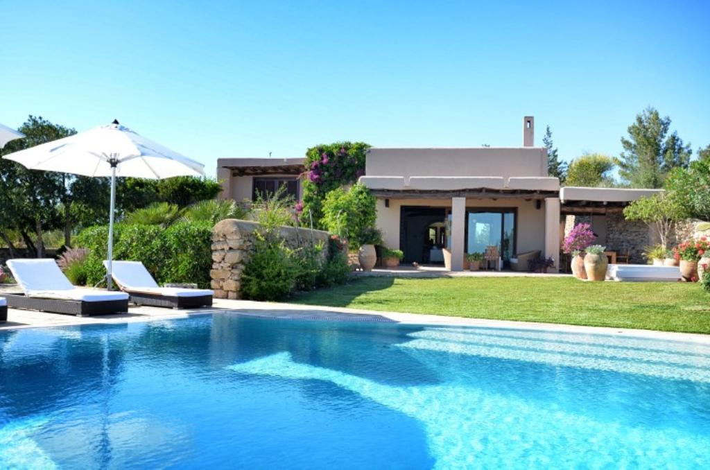 809, Large and comfortable villa  with private pool in San Jose, Ibiza, Spain for 10 persons...