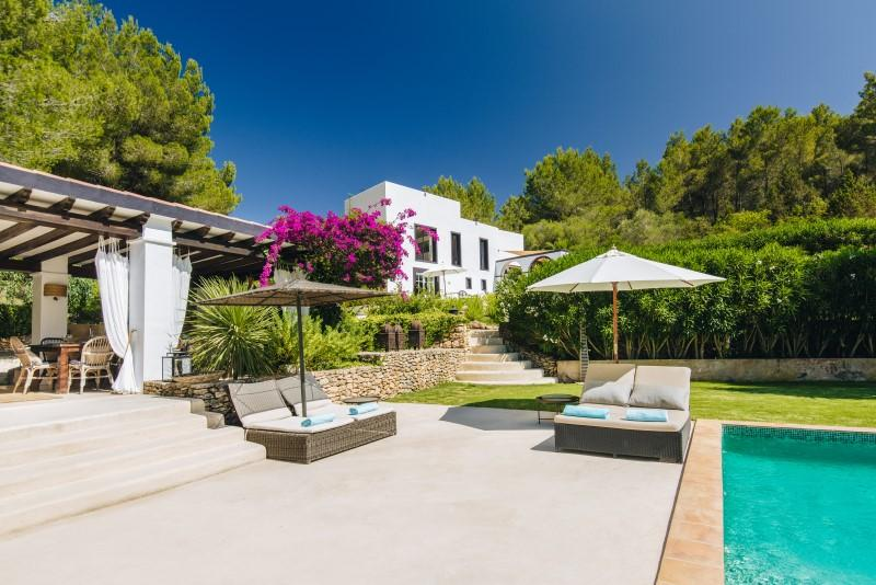 835, Large and luxury villa  with private pool in San Rafael, Ibiza, Spain for 12 persons...