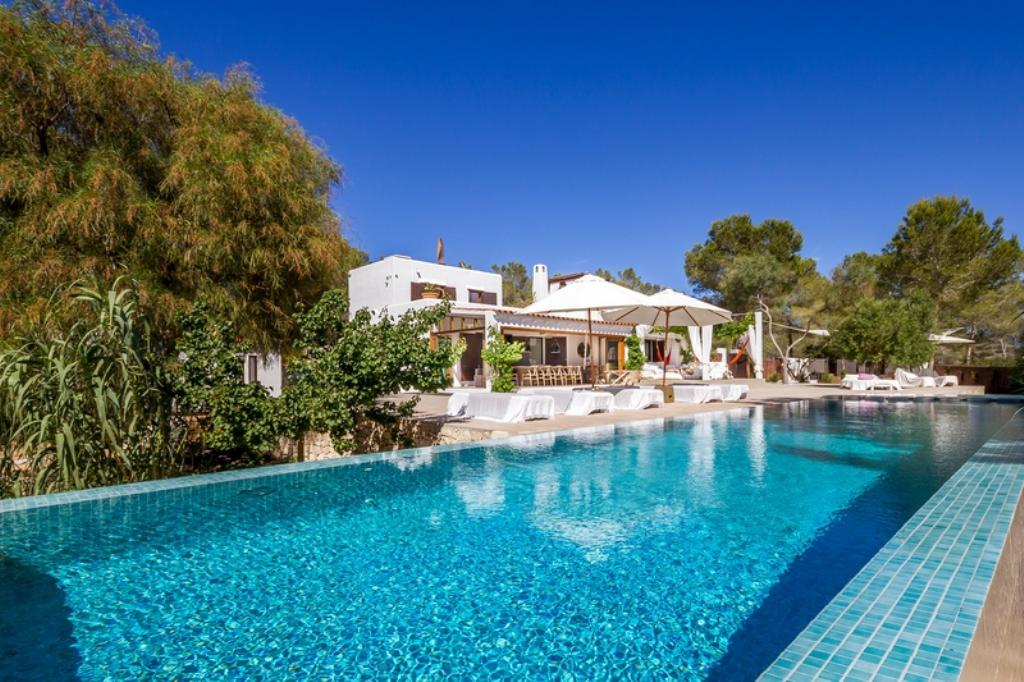 879,Large and luxury villa  with private pool in Cala Jondal, Ibiza, Spain for 10 persons...
