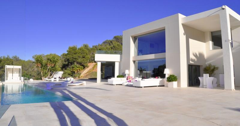 881, Large and comfortable villa  with private pool in San Jose, Ibiza, Spain for 12 persons...