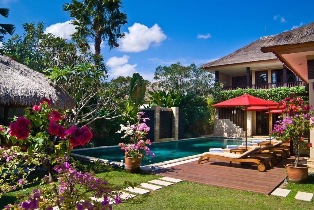 Nilaya,Grote en  luxe villa in Seminyak, op Bali, Indonesië  met privé zwembad voor 10 personen...