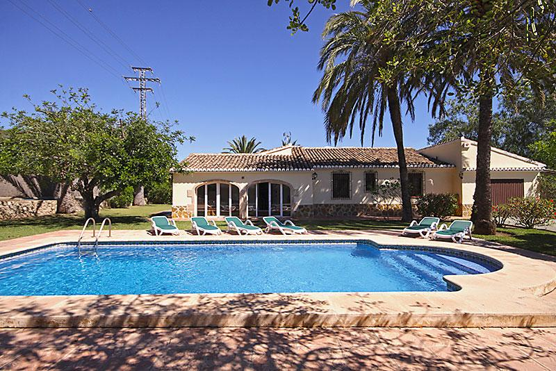 Villa Nathalie 4, Beautiful and comfortable villa in Javea, on the Costa Blanca, Spain  with private pool for 4 persons.....