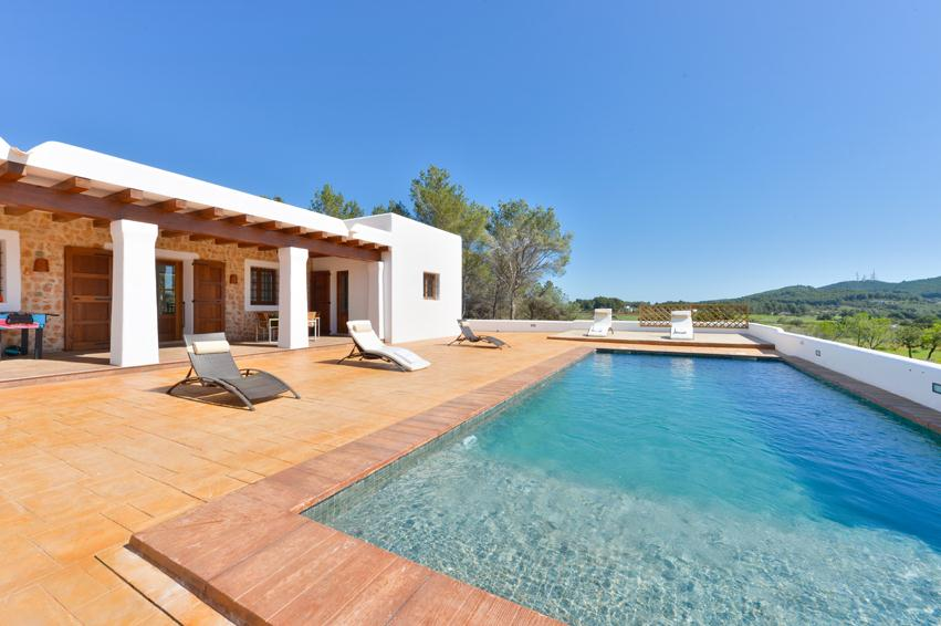 Dalt sera, Beautiful and comfortable villa in Santa Gertrudis, Ibiza, Spain  with private pool for 5 persons...