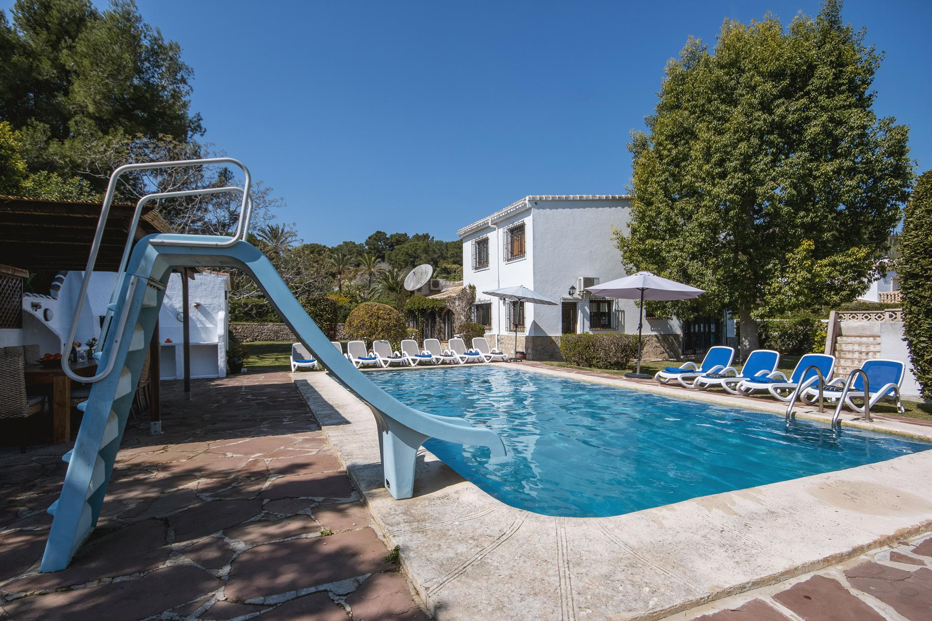 Villa Escocia 6 pax, Large and comfortable villa  with private pool in Javea, on the Costa Blanca, Spain for 6 persons...