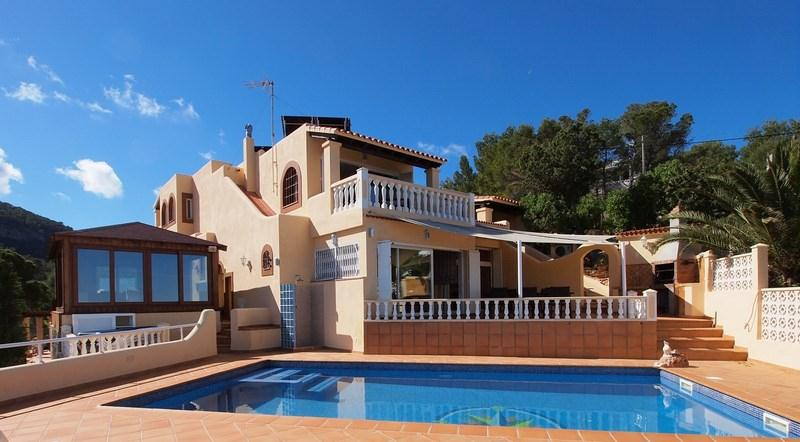 913, Beautiful and comfortable villa in Cala Moli, Ibiza, Spain  with private pool for 12 persons...