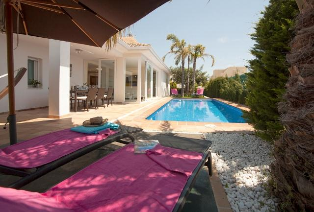 Casa Rufina, Comfortable villa in Altea, on the Costa Blanca, Spain  with private pool for 8 persons.....