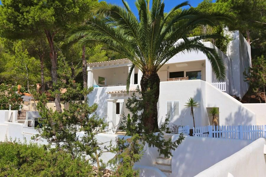 915 12p, Large and comfortable villa  with private pool in Es Cubells, Ibiza, Spain for 12 persons...