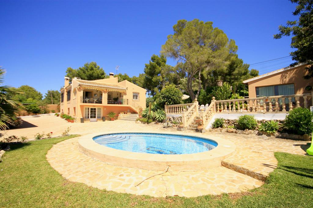Romero, Wonderful and comfortable villa  with private pool in Javea, on the Costa Blanca, Spain for 6 persons.....