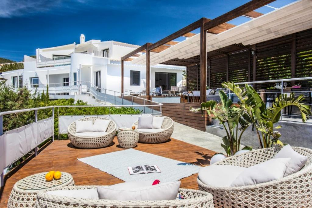 819, Large and luxury villa in Vista Alegre, Ibiza, Spain  with private pool for 10 persons...