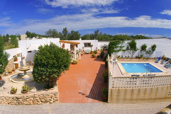 627 9p, Large villa  with private pool in San Rafael, Ibiza, Spain for 9 persons...