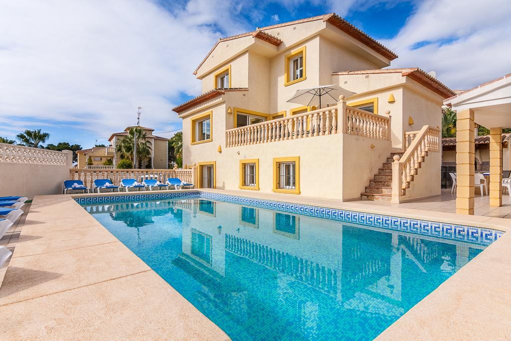 Stefka 16, Large and comfortable villa  with private pool in Calpe, on the Costa Blanca, Spain for 16 persons...