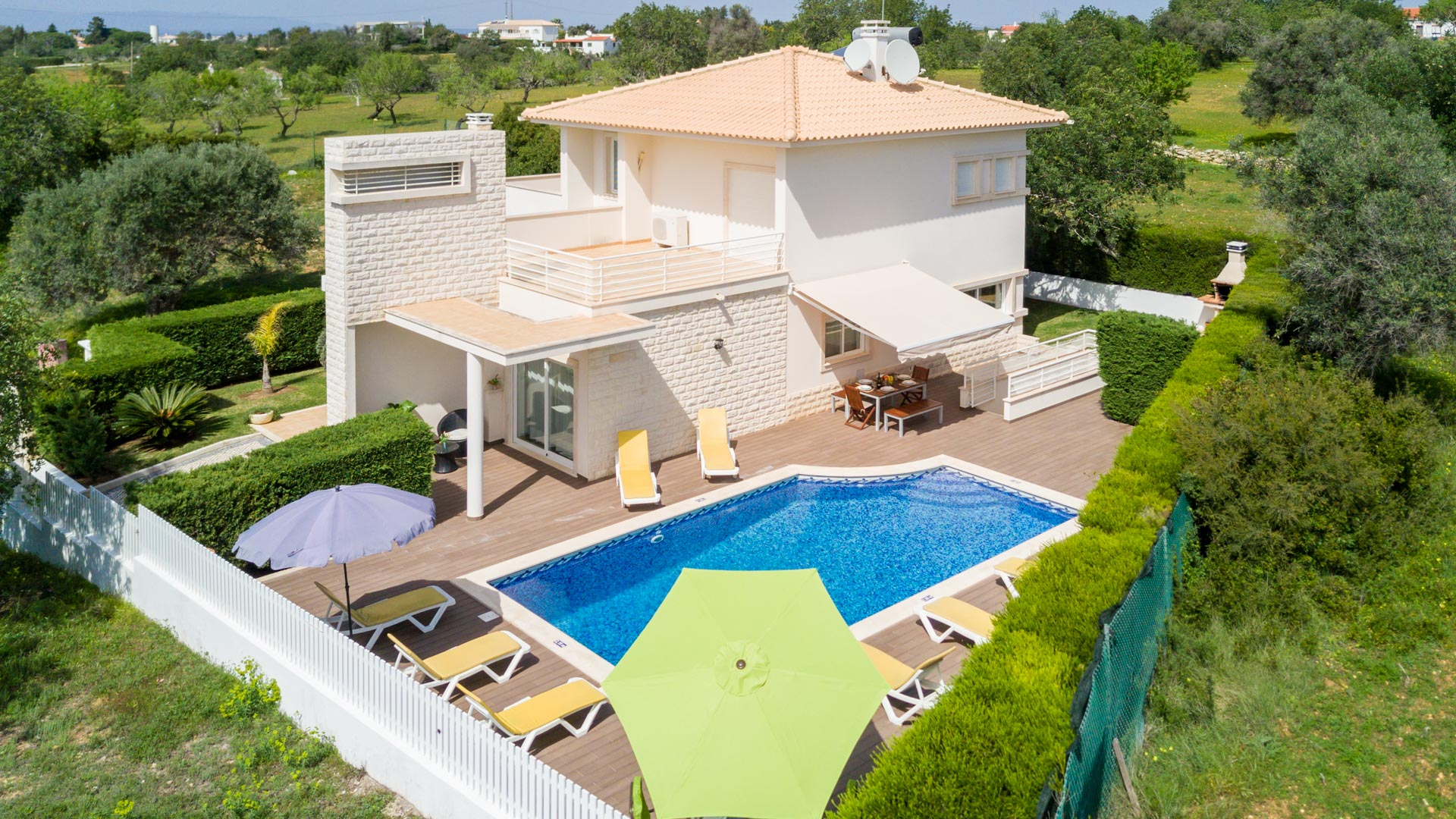 Villa Albufeira LS435, Wonderful and comfortable villa in Albufeira, on the Algarve, Portugal  with private pool for 8 persons...