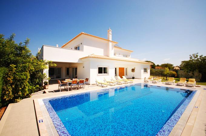 Villa Albufeira LS436, Large and cheerful villa  with private pool in Albufeira, on the Algarve, Portugal for 10 persons...