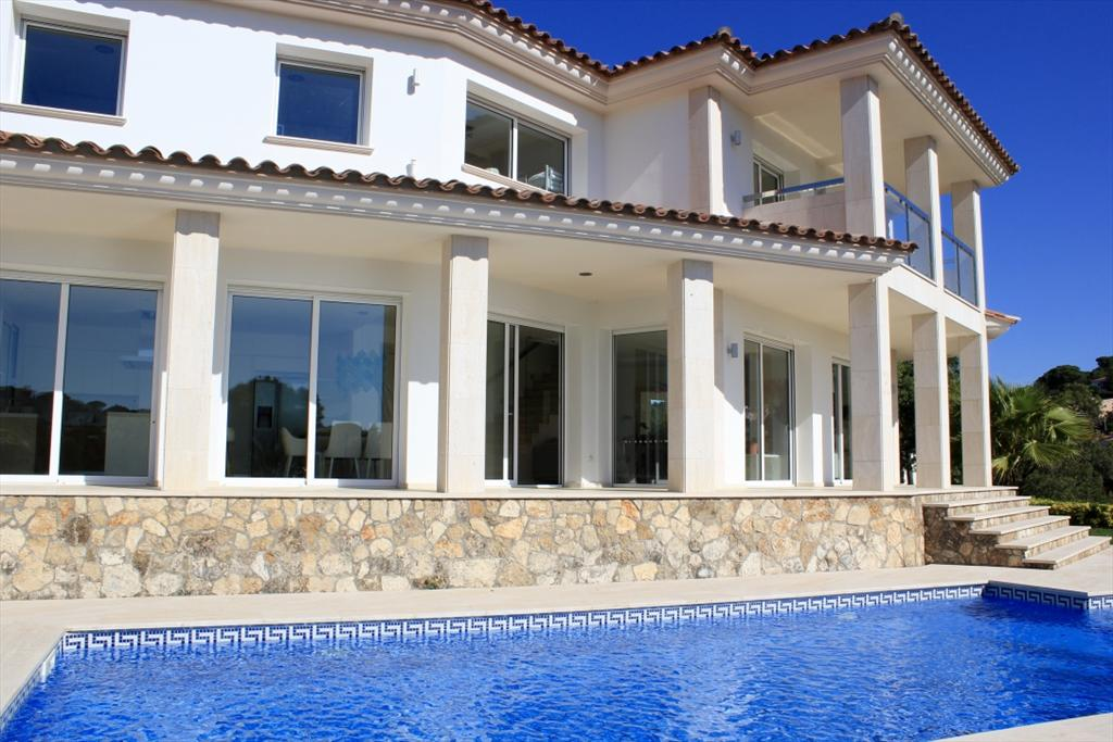 Villa de oro, Modern and luxury villa  with private pool in Calonge, Catalonia, Spain for 10 persons...