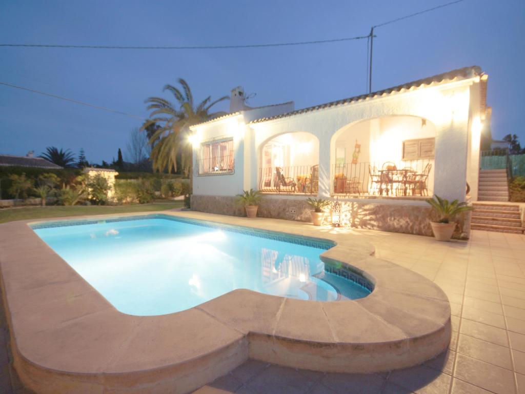 Anna, Wonderful and cheerful villa  with private pool in Javea, on the Costa Blanca, Spain for 6 persons.  The villa is situated.....