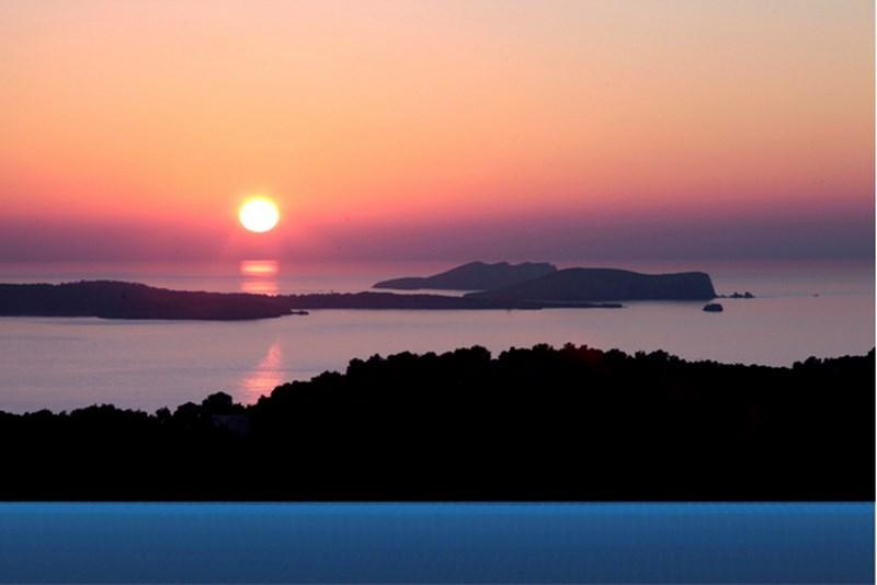 834, Lovely and luxury villa in Cala Salada, Ibiza, Spain  with private pool for 11 persons...