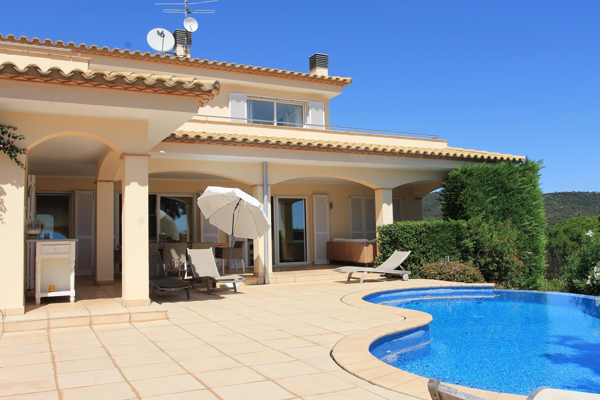 Villa mediterranea,Wonderful and cheerful villa in Calonge, Catalonia, Spain  with private pool for 6 persons...